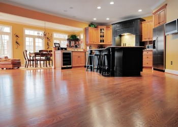 Floor Cleaning in Stoneham, Massachusetts by Elizabeth & Cloves Cleaning